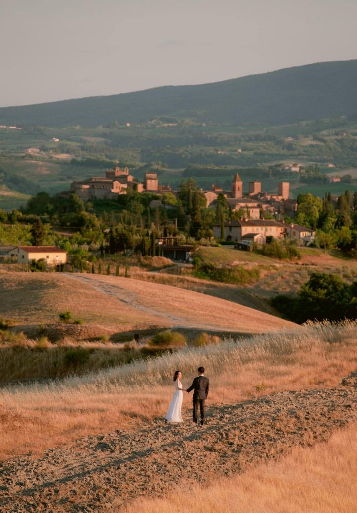sunset photo session in tuscany italy