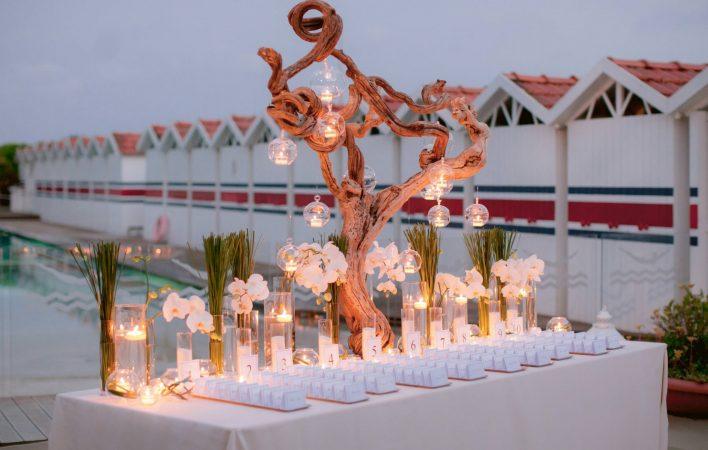 incredible escort cards table arranged at Bambaissa beach club in forte dei Marmi Tuscany