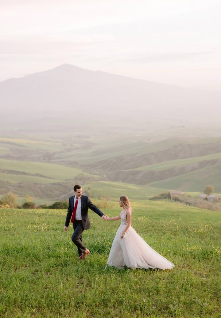 the best photographer in Tuscany for your honeymoon photos in Italy