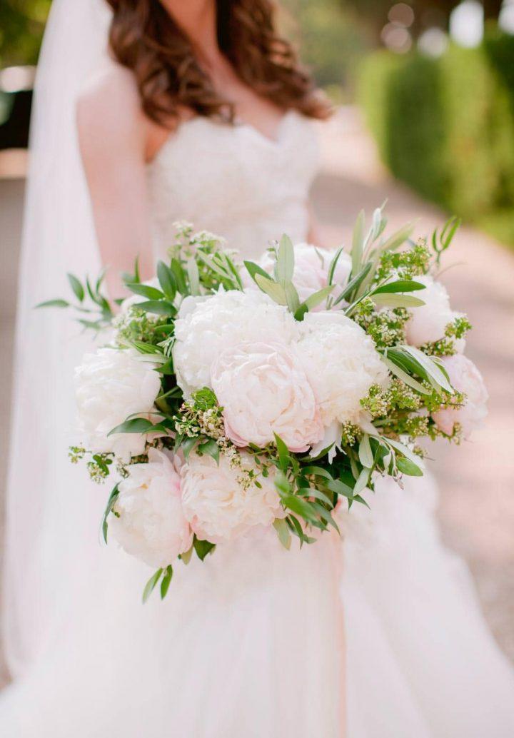 gorgeous peonies bridal bouquet
